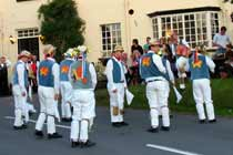 Icknield Way Morris Men at the Rose & Crown